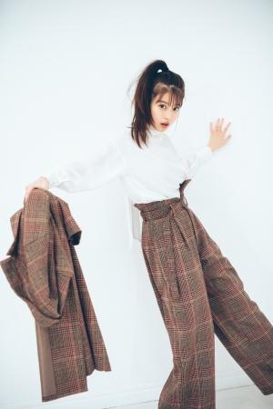 今田美桜が、初めてアパレルブランド【and R】とのコラボ商品を