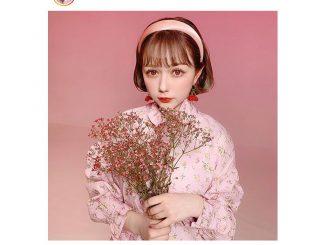 """HKT48 村重杏奈、""""顔面国宝""""級のガーリーフォト公開!「可愛すぎる」「お人形さんみたい」と大絶賛"""