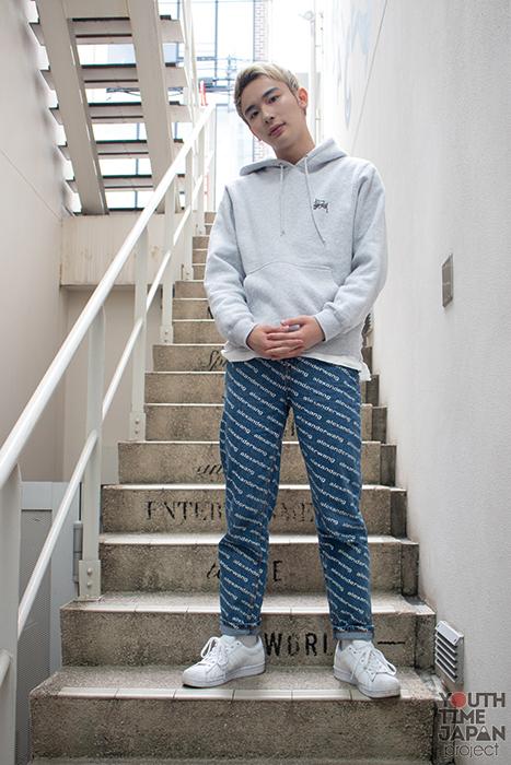 モデル・タレント よしあき(19)