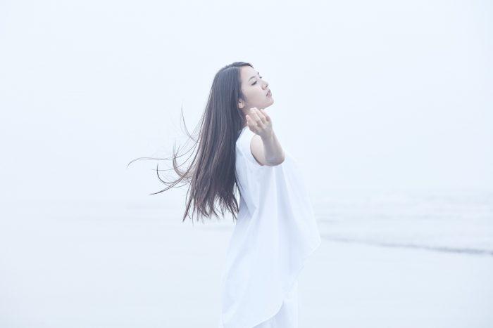 阿部真央、初のカバーアルバム『MY INNER CHILD MUSEUM』が本日リリース!