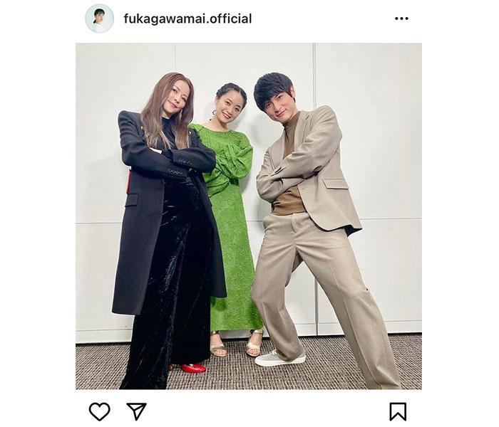 深川麻衣が香里奈、高良健吾との豪華3ショット公開「はさまれてニヤニヤしている私です」