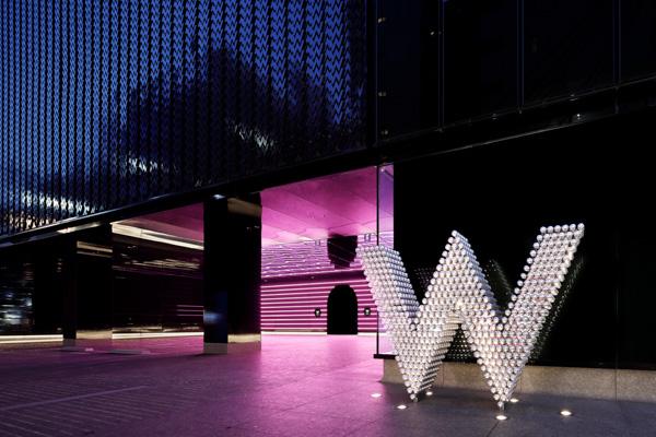 「W Osaka」ブランドアンバサダーEXILE AKIRAが登壇! ラグジュアリー・ライフスタイルホテル「W」日本初上陸で3月16日に開業!