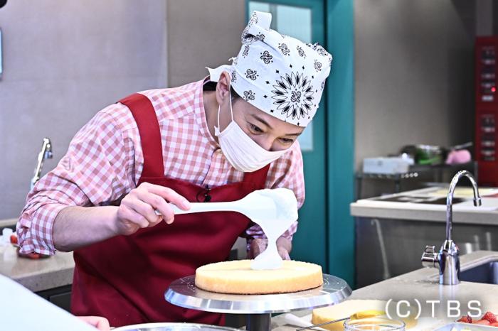 中居正広が人生初のケーキ作り!カップルのプロポーズを全面サポート
