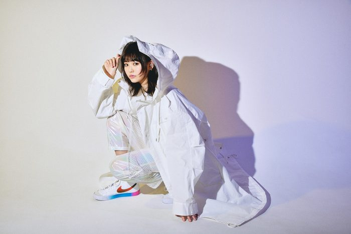 三阪咲、ファッション誌「Seventeen」のテーマソングに起用された『Bling Bling』が配信開始