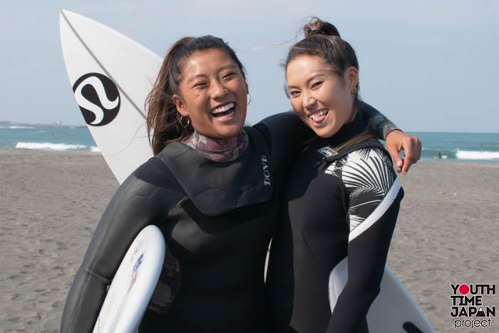 女子サーフィン東京オリンピック代表選手候補・前田マヒナさんと、国内外で活躍する美人プロサーファー・野呂玲花さんが、 サーフィンの魅力を語る