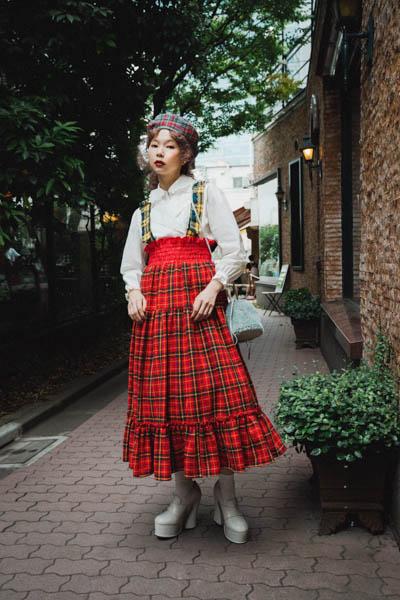人気YouTuberあさぎーにょがラフォーレ原宿の秋の12スタイルを着こなす